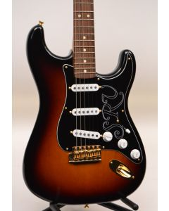Fender Artist Series Stevie Ray Vaughan Stratocaster Electric Guitar 3-Tone Sunburst TGF11