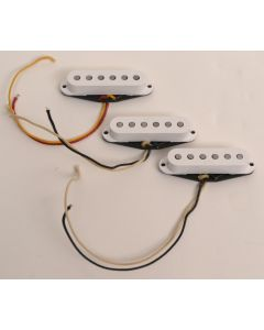 G&L Legacy Handwired Staggered Pole Piece Single Coil Pickup Set, White 071119