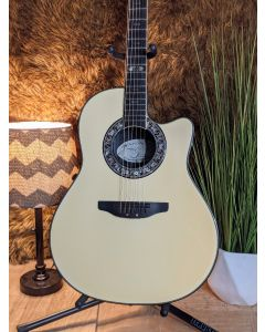 Ovation  1986-6 1986 Ovation Collectors Series Serial Number 452 with Hard Case. Made in USA SN0452